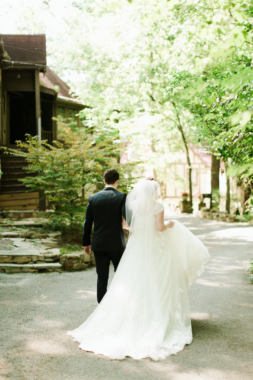 Wedding_AbigailLewis_AbroadWeddings (1 of 1)-11.jpg