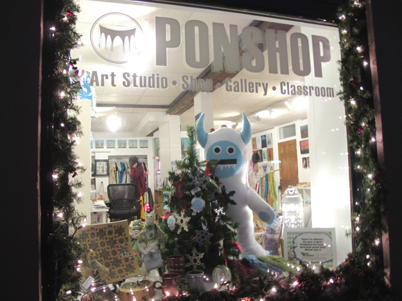 PONSHOP-2011-12_first-friday11.jpg