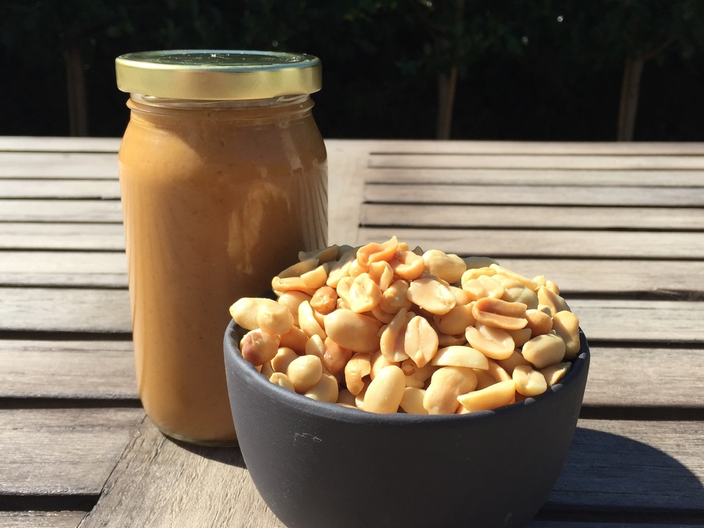 peanutbutter and peanuts