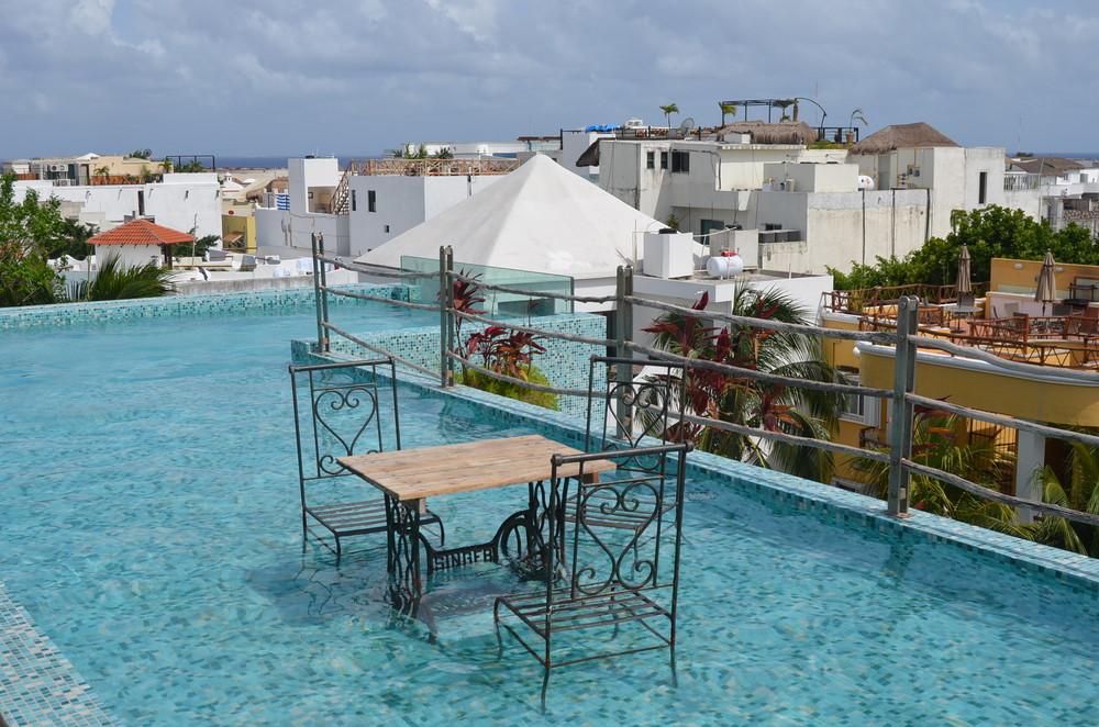 Rooftop swimming pool at Be Playa