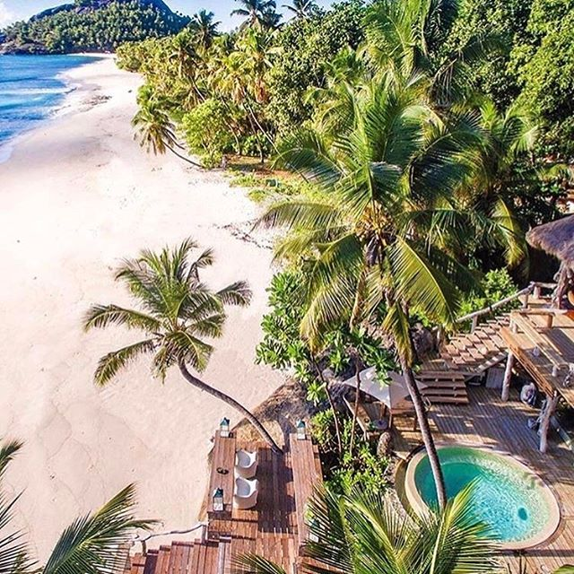 Sweet #dreams are made of this 💭✈️🙌🏻 And just like that #northisland in the #Seychelles has hit my #bucketlist | 📸 @live.north