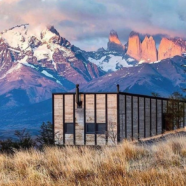 Once a year go someplace you have never been before ~ Dalai Lama | This will do just nicely don't you think? Hands up if #patagonia is on your #bucketlist? | 📸 @thevenuereport via @kiwicollection