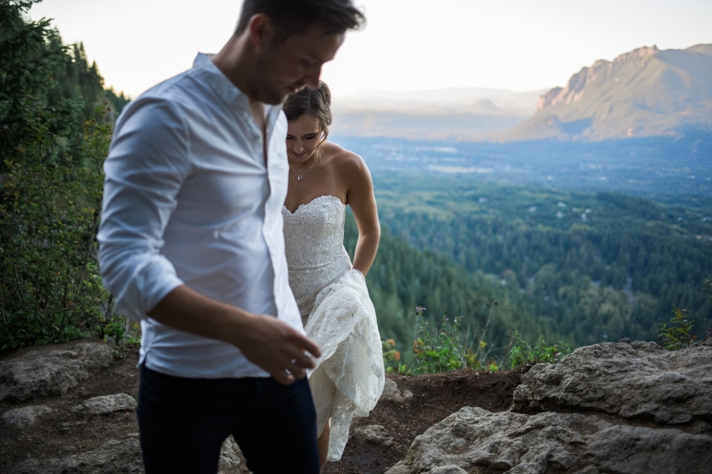 Bride and groom at Rattlesnake Ledge