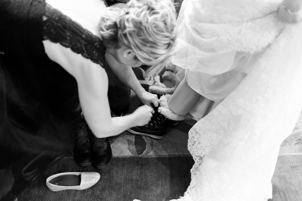 Winter Wedding Bride Getting Ready Leavenworth Washington.jpg