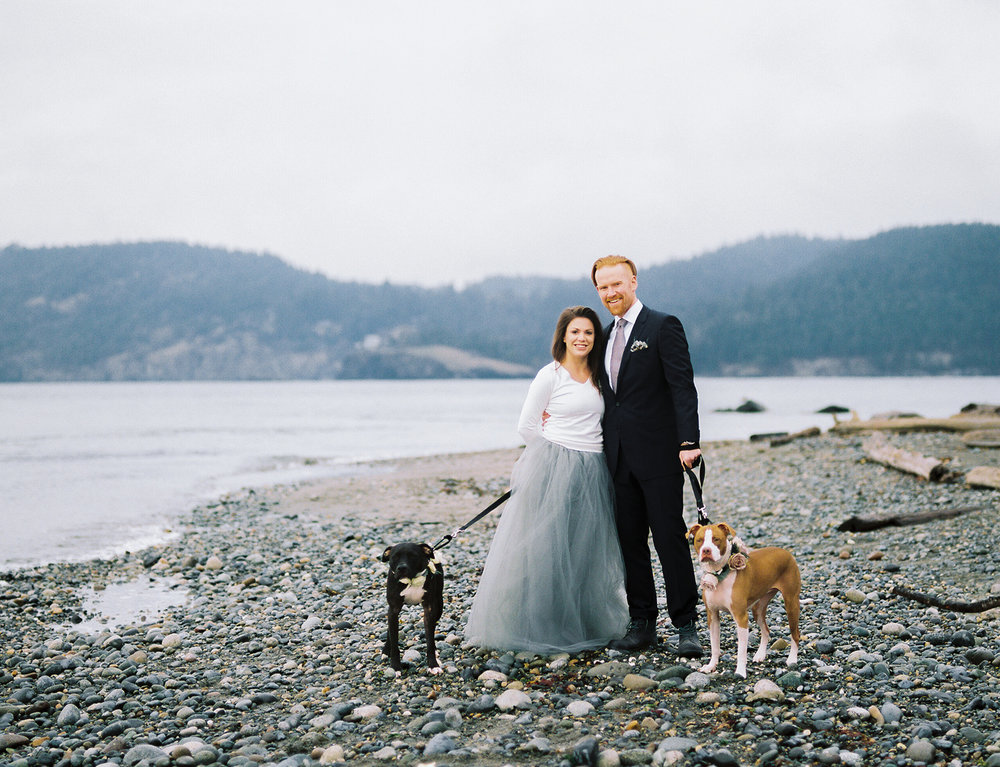 Pacific Northwest Beach Engagement Session with dogs.jpg