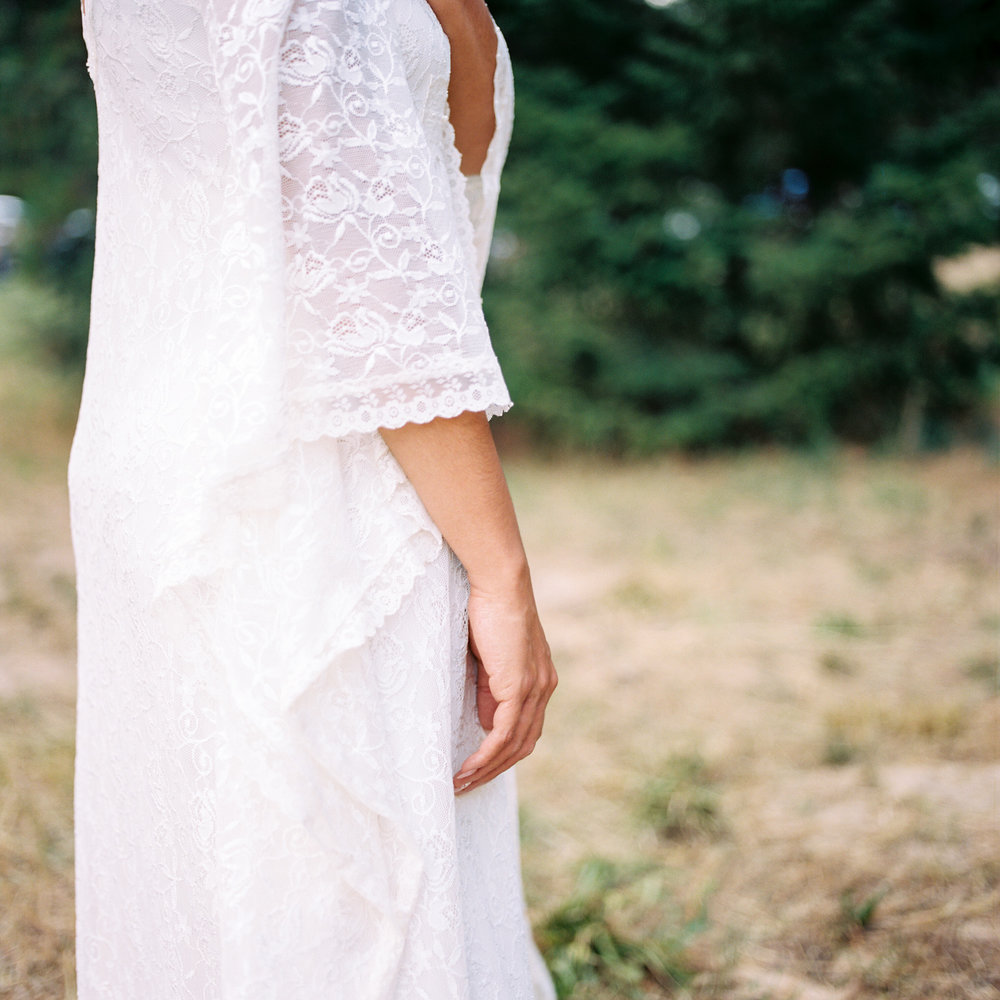 custom etsy wedding dress leavenworth washington elopement photography.jpg