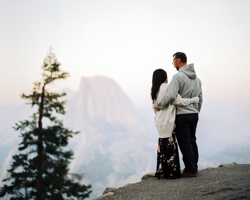 yosemite engagement photography at glacier point.jpg
