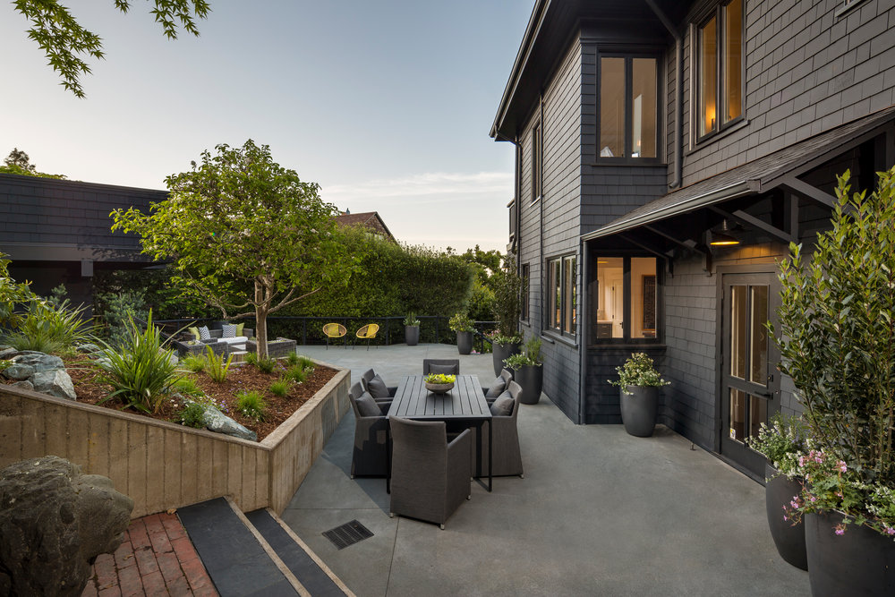 Exterior_Patio_West_2834.jpg