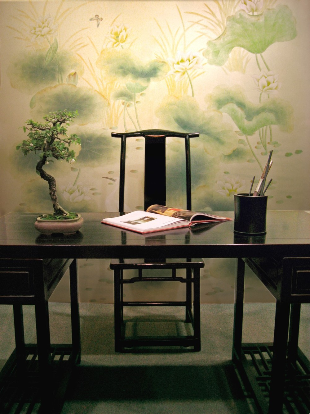 Chinese doctor's desk. Background: hand-painted scenery of lotus on silk.