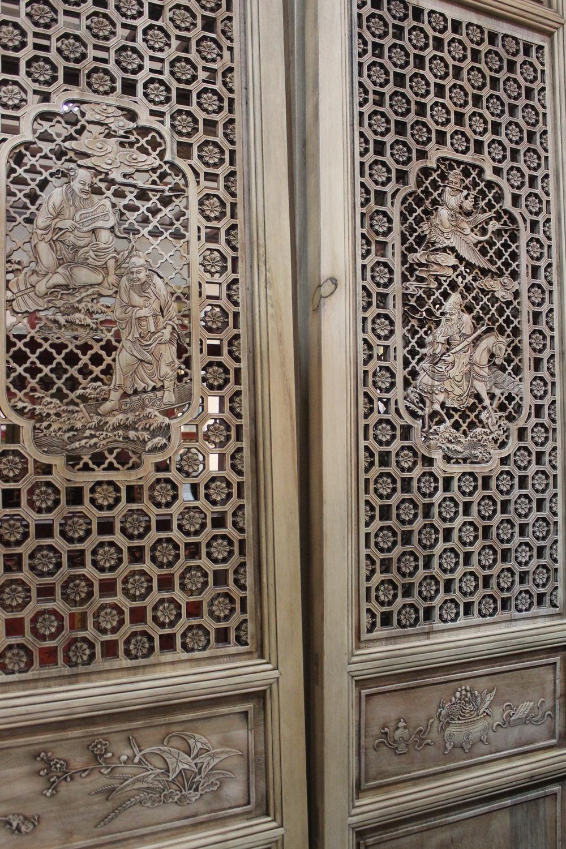 2-6014 Carved screens.JPG