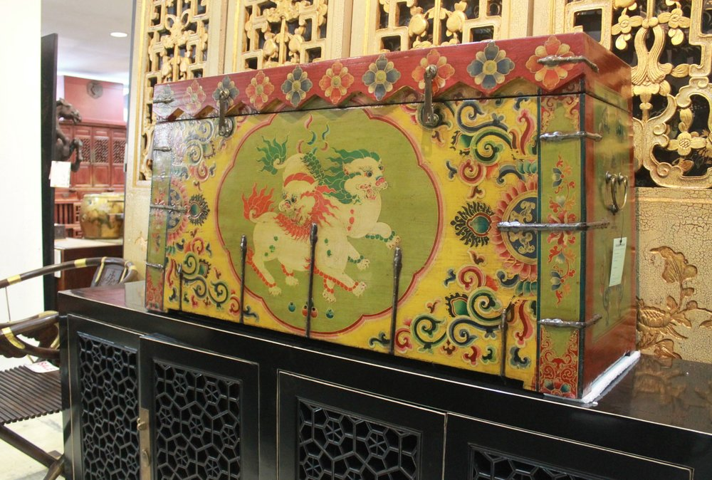 Tibetan chest