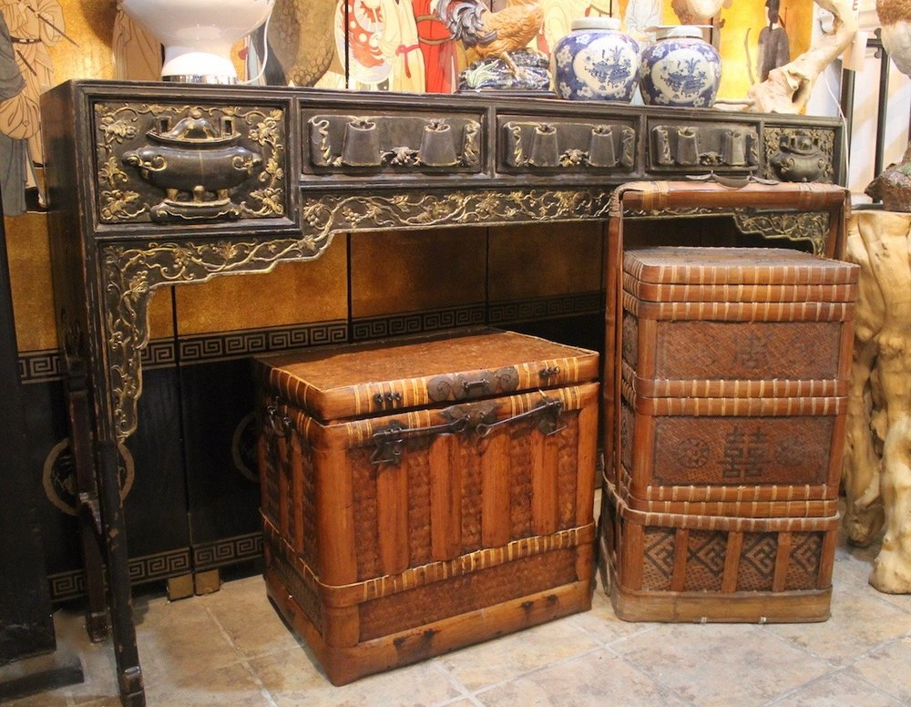 Original long console table from Teochew, China; assorted bamboo baskets from Zhejiang.