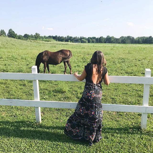This wedding venue & dress & @brazilbronzeofficial spray tan ... happiest girl 💕 . . . . . . #linkinbio #ootd #lookbook #blogger #whatimwearing #whatiwore #wiw #ootdflash #lookoftheday #fashion #fashionblog #style #streetstyle #realoutfitgram #nycblogger #nyc #cleveland #rtr #renttherunway