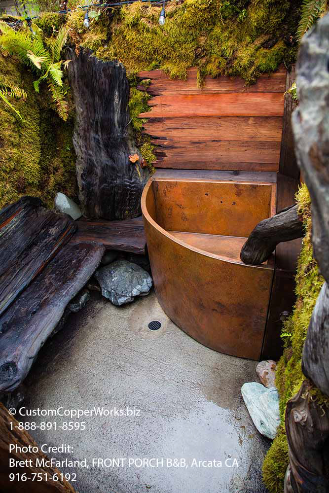 104l-Tolantongo-corner-double-walled-japanese-soaking-tub.jpg