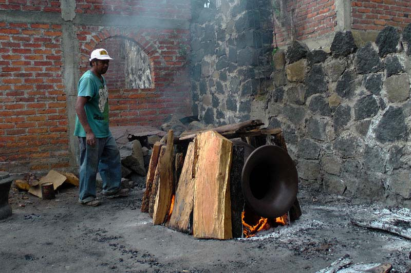 Cocuchas are fired above ground.
