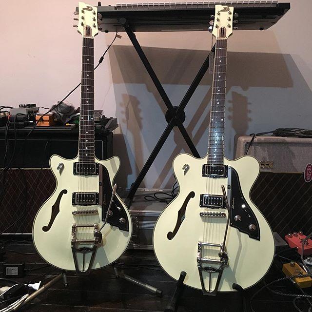 @duesenbergguitars Fullerton TV and CC ready to make some rock'n'roll babies #duesenberg #duesenbergguitars #doozy #guitars #guitars