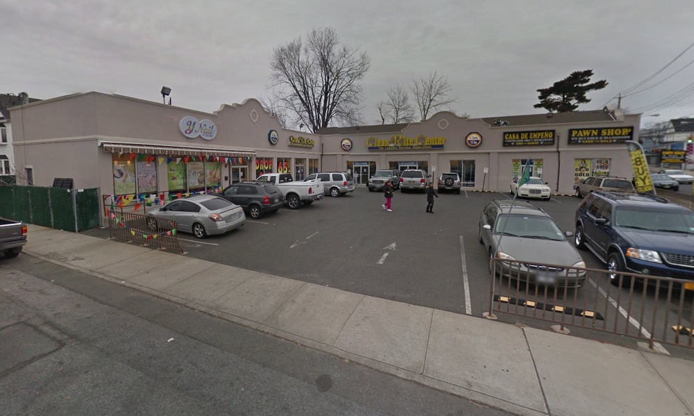 438 Port Richmond, Staten Island RJ Capital Holdings sold in 2014 as a cash-flowing investment site.