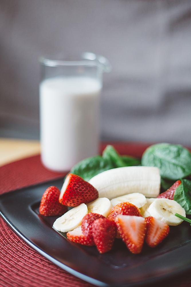 Strawberry banana smoothie.jpg