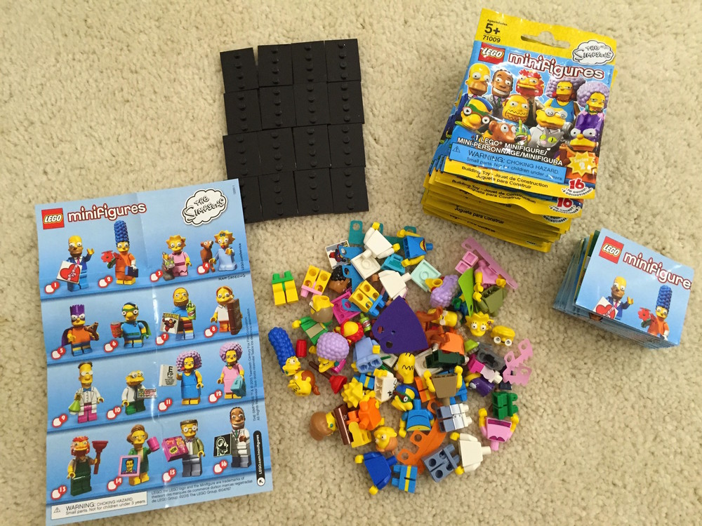 All 16 minifigures unpacked!