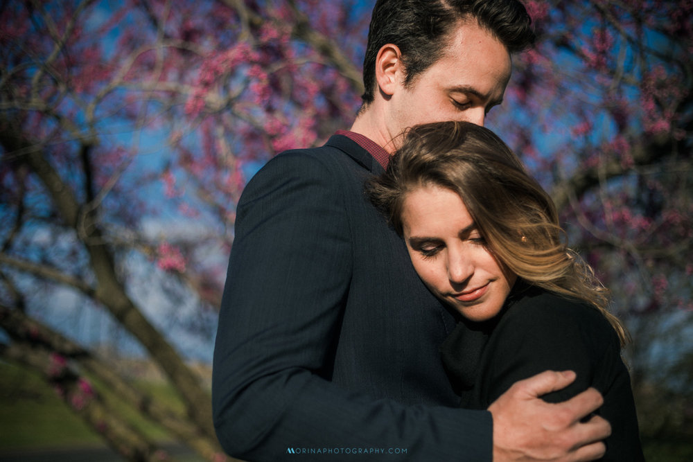 The spring engagement session of Liz and Marshall at Art Museum and Water Works.