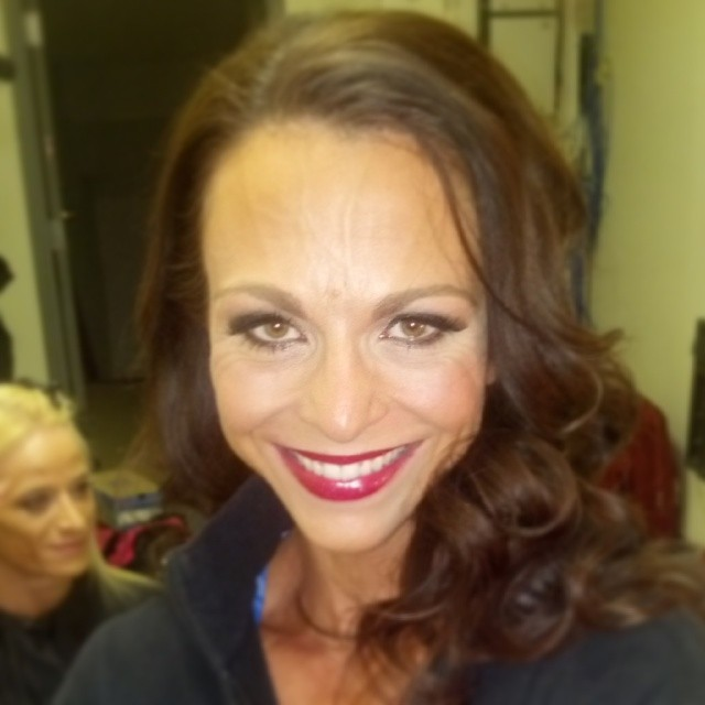 @glossagirl Loved her look at the #Arnoldclassic this past weekend!! #Lsrbeautyteam #glossagirl