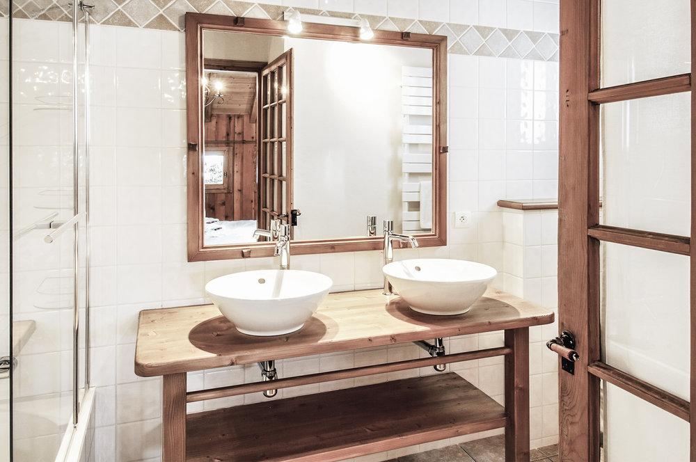 dubois_bathroom_1.jpg