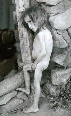 Starving girl in Buguruslan, Russian in 1921