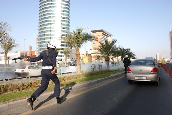 riot police Bahrain.jpg