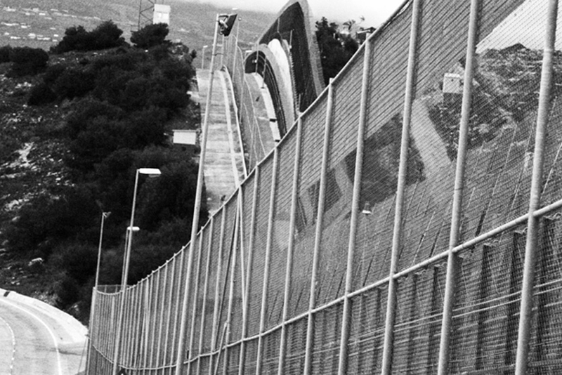 23_border_spain_fence_melilla_1207_BW_large.jpg