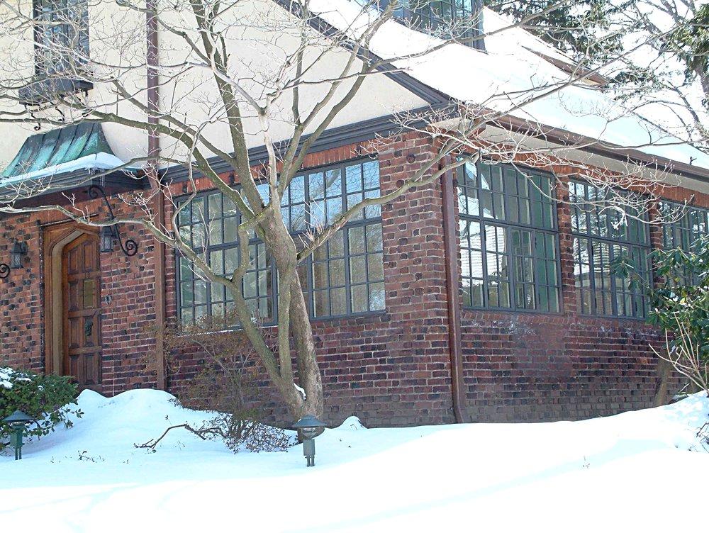 FC Brick huse w snow2.JPG