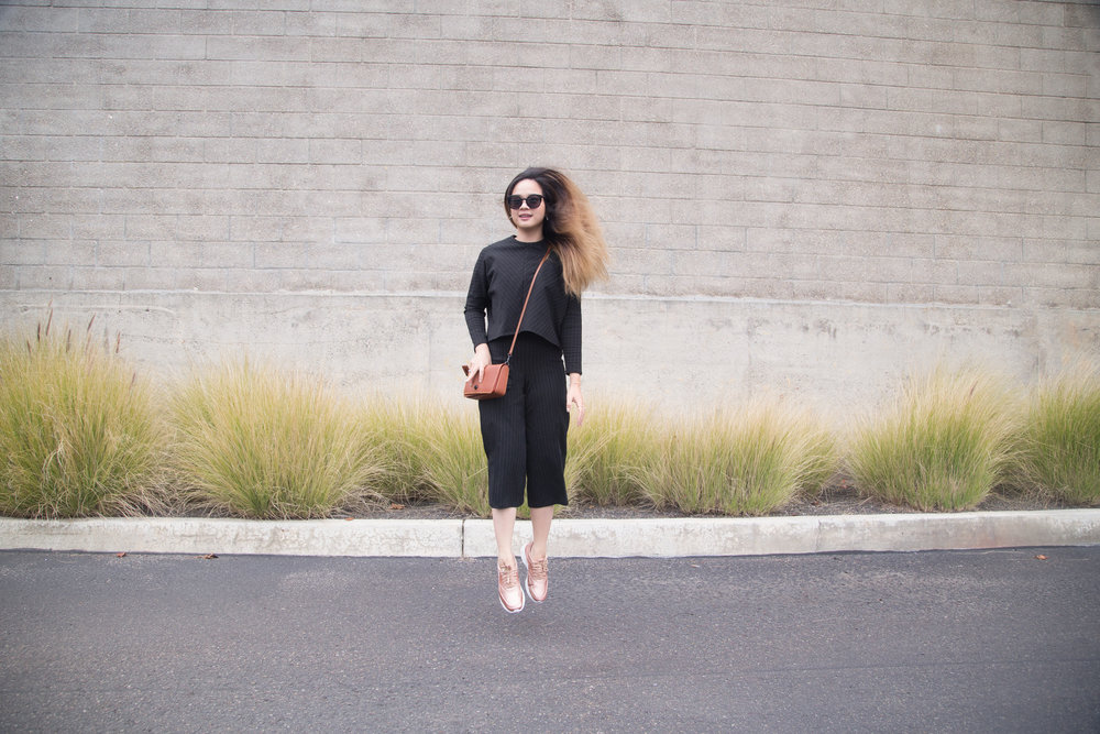 Athleisure For Workwear || How to Wear Sneakers to Work || Nike Air Max Thea Rose Gold