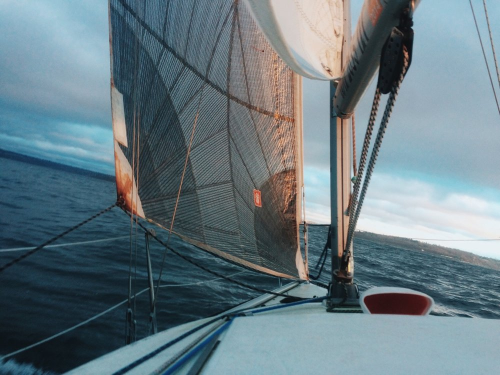 Sailing by Lon