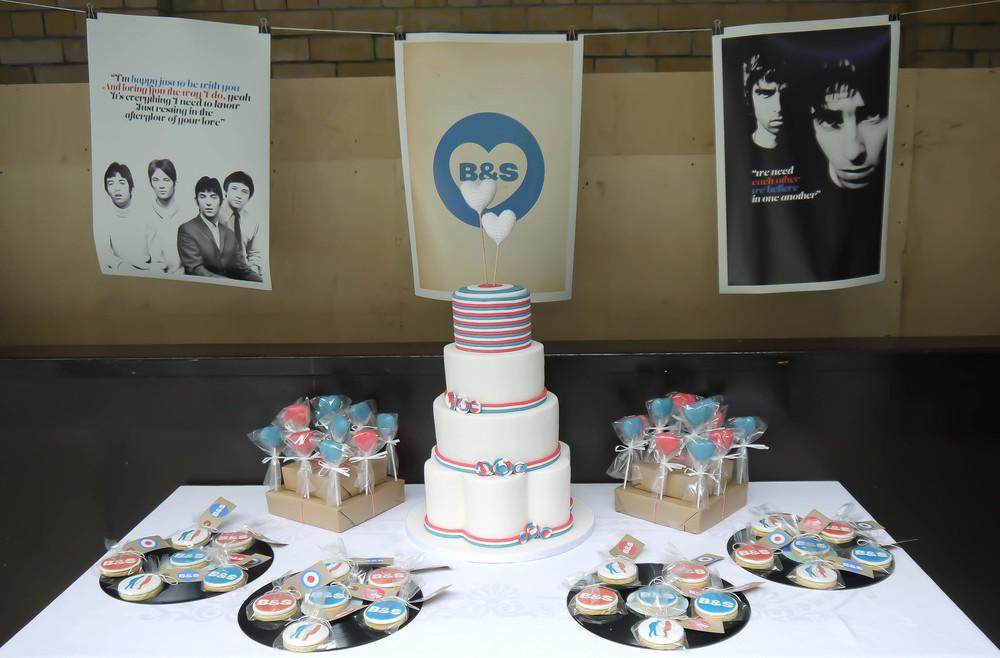 1960's mod wedding cake