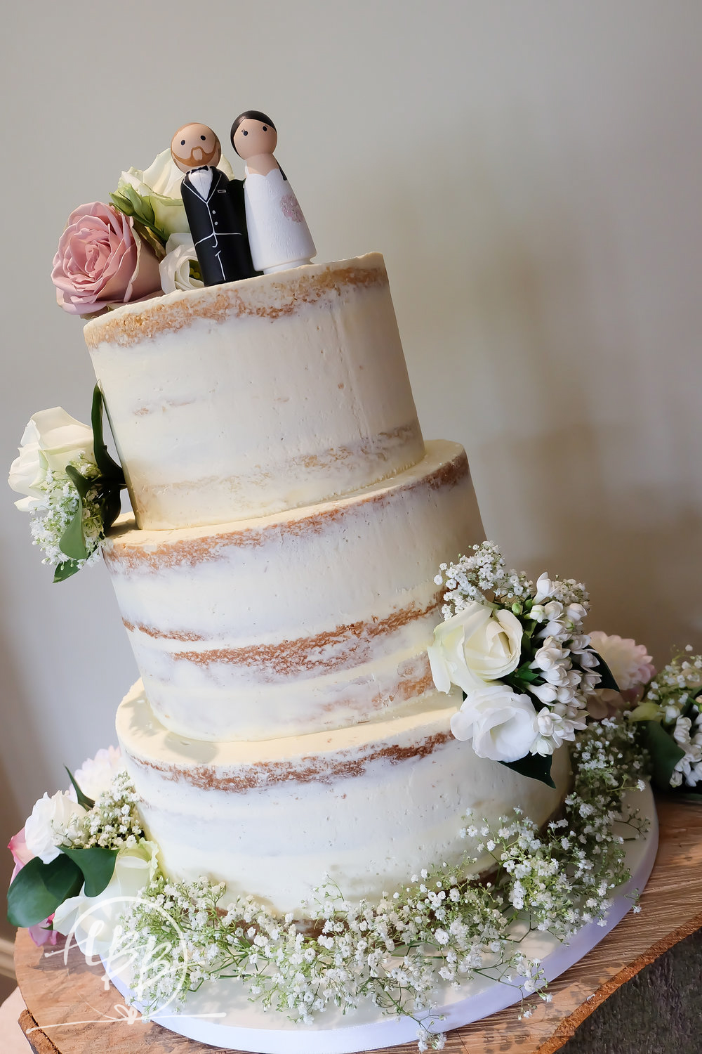 when to cut your wedding cake wedding cakes cheshire wedding cakes manchester 27127