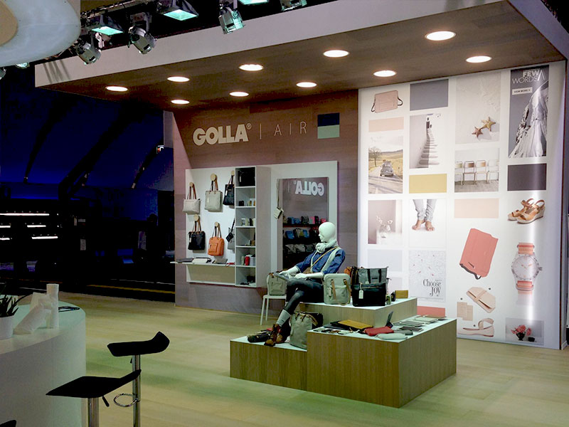 Golla-Custom-Exhibit-Stand-6.jpg