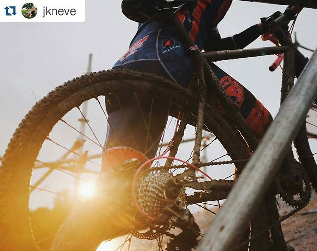 AWESOME pic @jkneve! #aussiecycleworks #crossisboss #cyclocross #nofilter ・・・ Peanut butter mud, jammed up drivetrains, spitting rain, and loving jabs from friends were the name of the game out there today.
