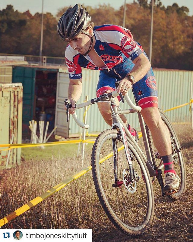 #Repost @timbojoneskittyfluff with @repostapp ・・・ Forgot to post some great pics for states. Thanks Colin Zelt!  #timmyteamacw #teamacw #aussiecycleworks #dirtysinglespeeder #carbondrive #velocityusa