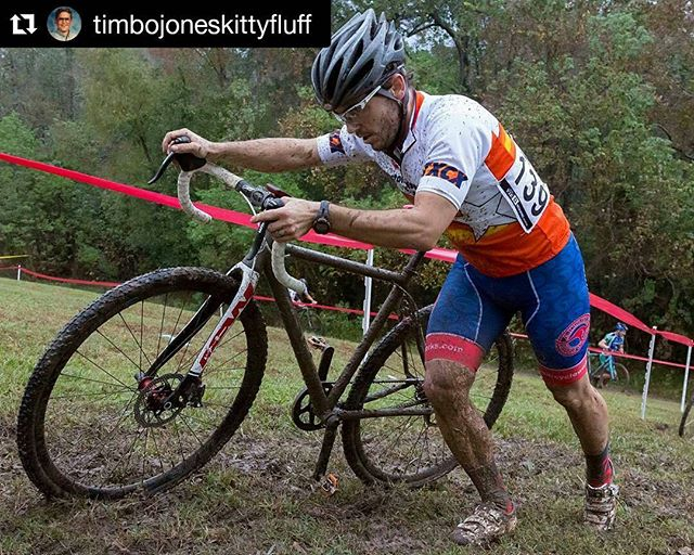 #Repost @timbojoneskittyfluff with @repostapp ・・・ Another awesome muddy Houston race! Thank Colin Zelt for the great pictures. #timmyteamacw #teamacw #aussiecycleworks #dirtysinglespeeder #carbondrive #velocityusa #cx #cyclocross