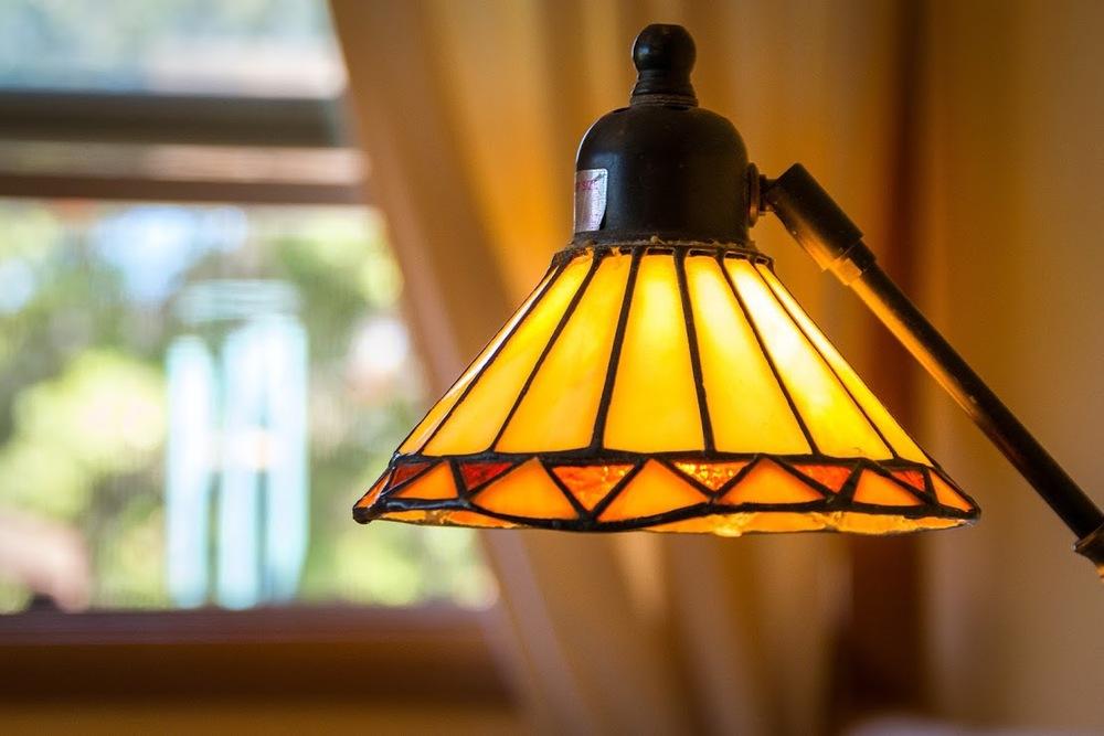 Wasim Muklashy_Real Estate Photography_Detail_Lamp