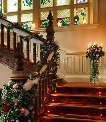 Beautiful staircase - ideal for photos!