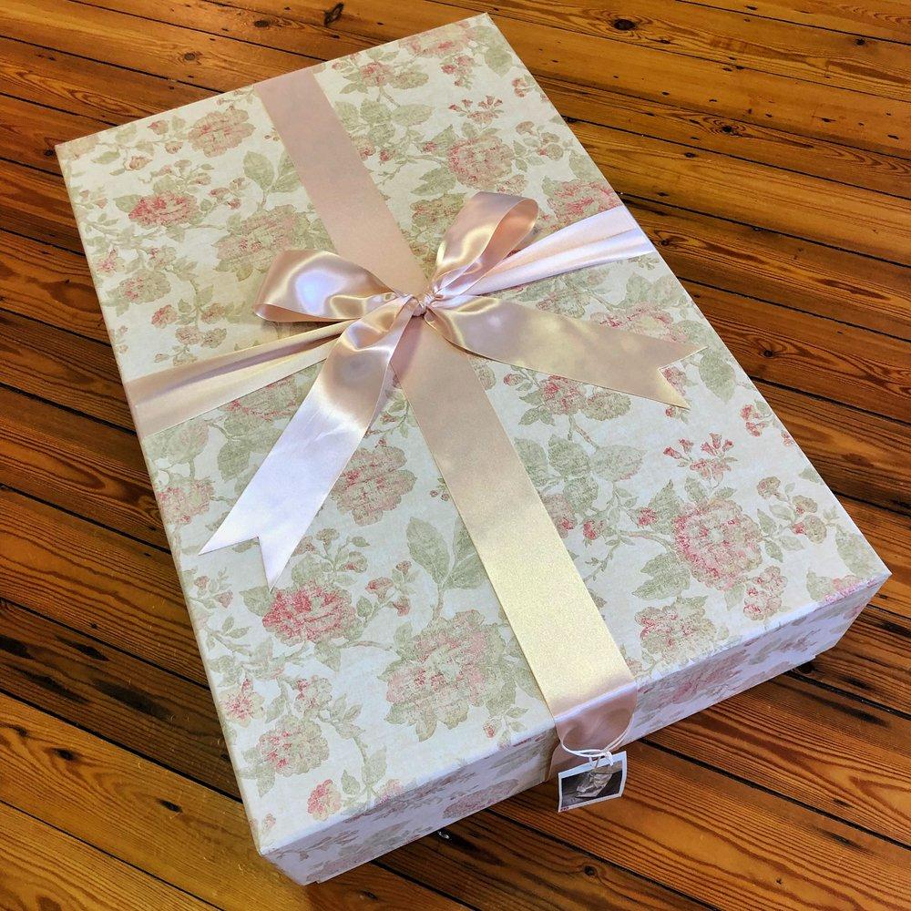 wedding-dress-standard-box-antique-pink.JPG