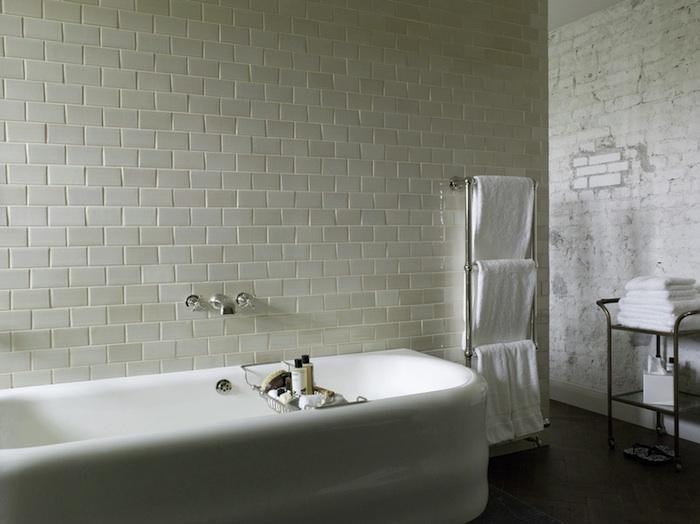 700_soho-berlin-rough-bath-10.jpg