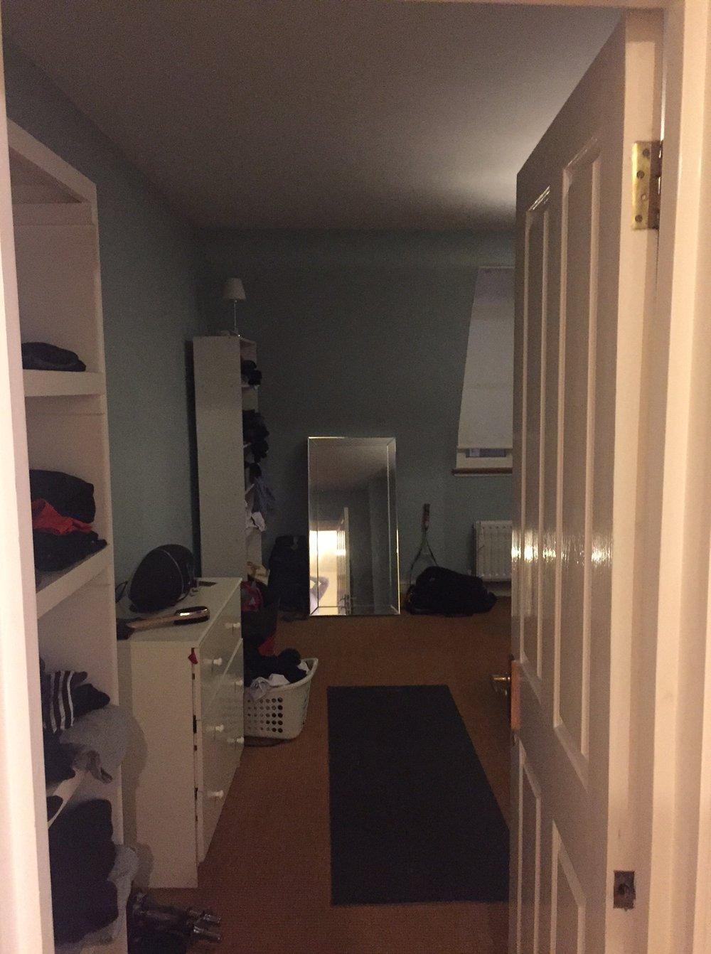 14 - Bedroom 1 01.JPG
