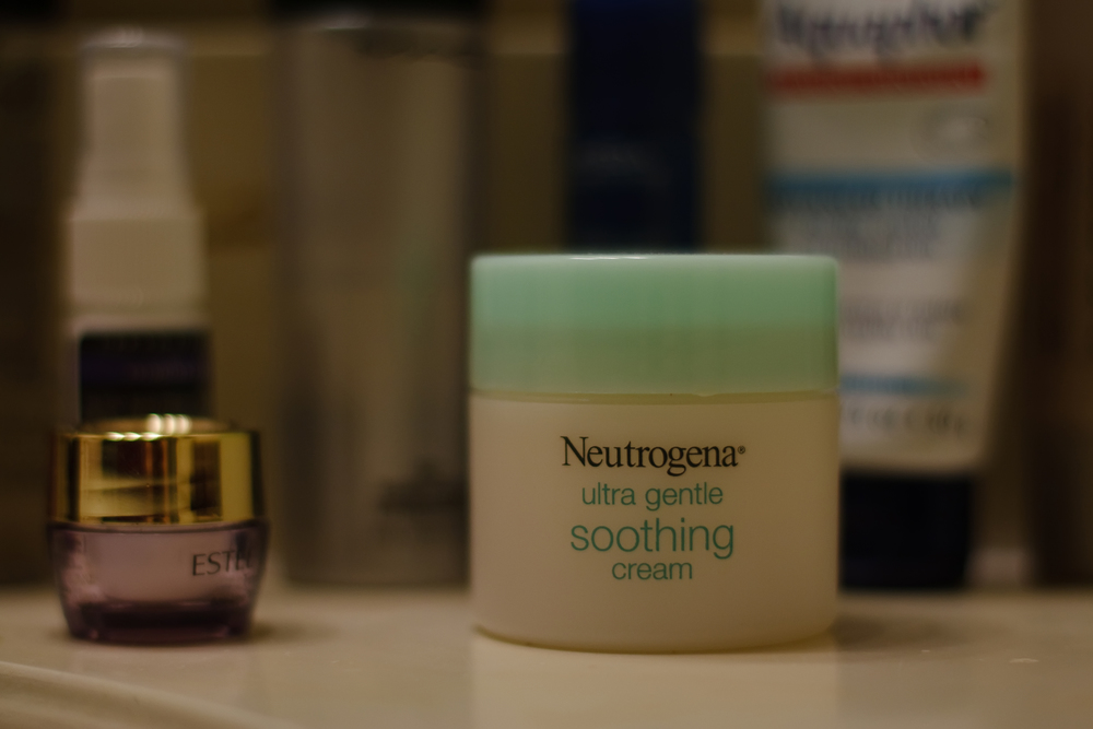 Neutrogena Ultra Gentle Soothing Cream by Ellingsen Photography