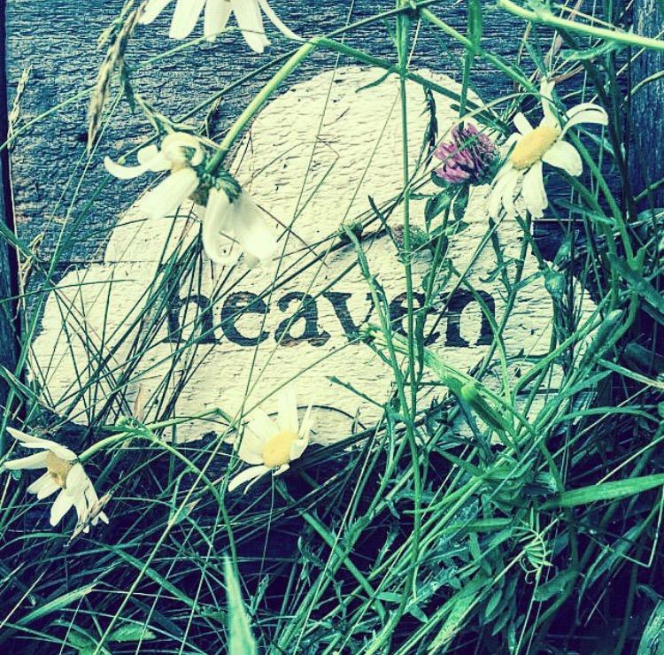 heaven sign.jpg
