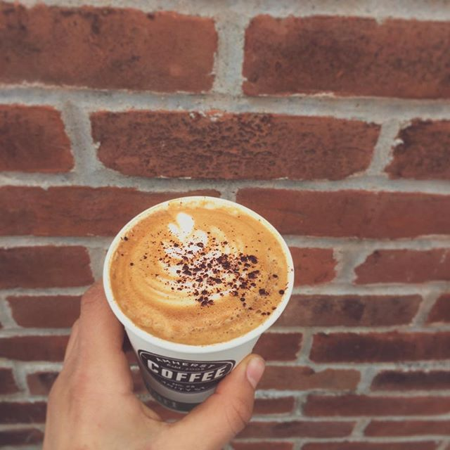 un-fog your day with espresso and milk 🌥✨✨✨#espresso #steamedmilk #nohocoffee #treats