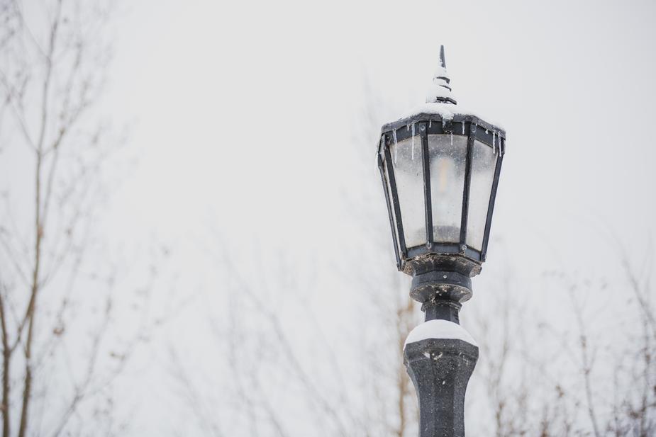 lamppost-in-winter_925x.jpg
