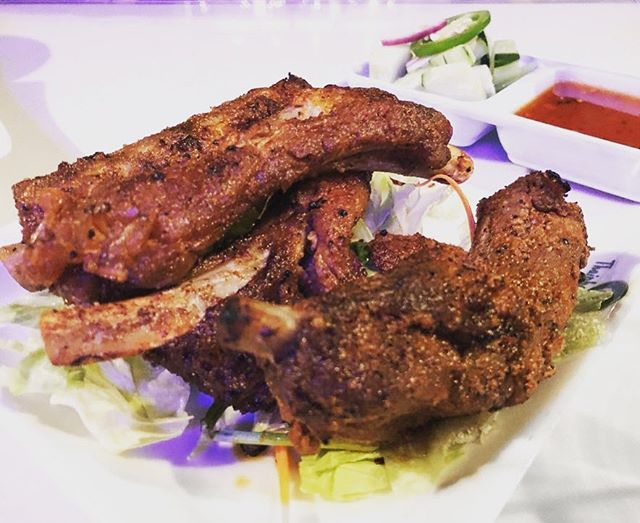 Bbq pork ribs: Thai pepper and asian spice dry rub marinate with a side of sweet chili sauce 🍖