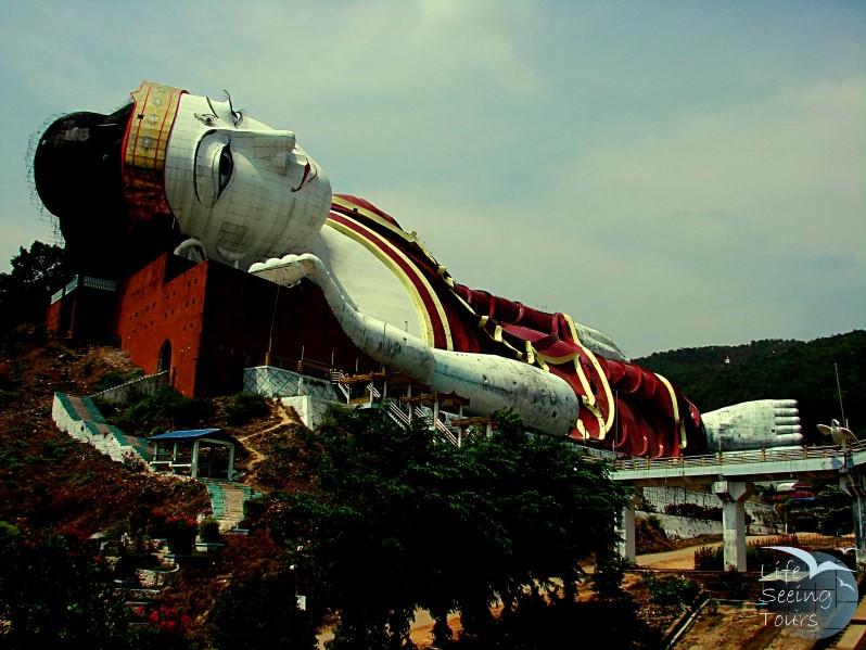 Reclining Buddha 800x600.jpg