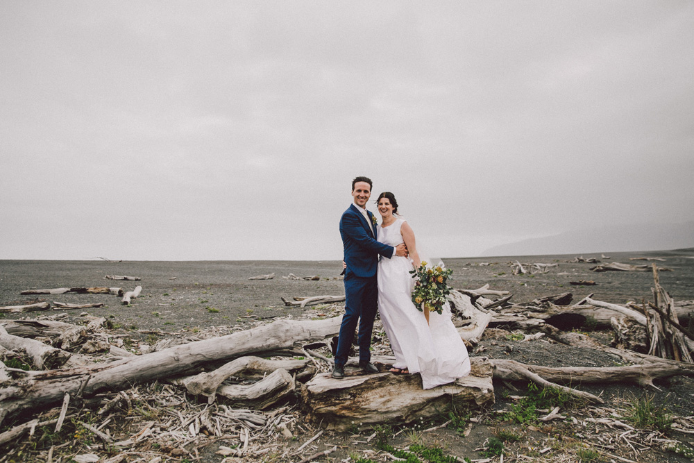 Sarah_McEvoy_wairarapa_wedding_lakeferry_083.jpg